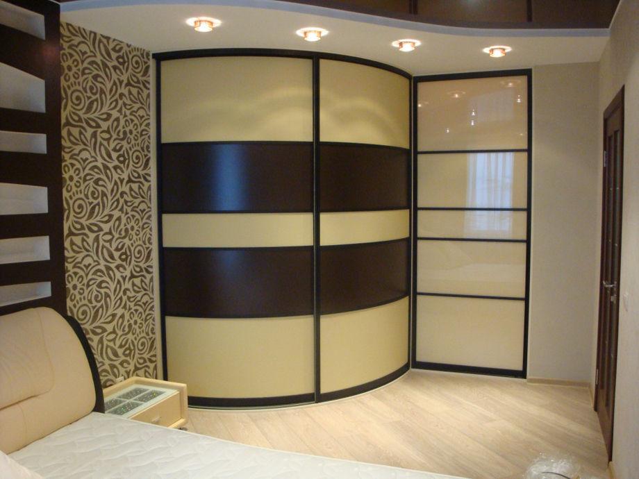 Как выбрать угловой шкаф в спальню: фото моделей и разновидности с размерами