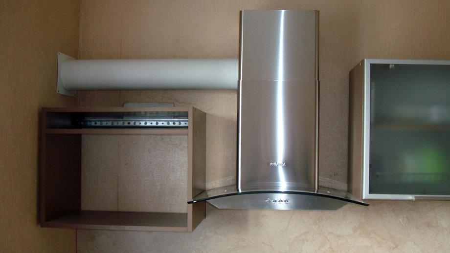 Как правильно установить купольную и встраиваемую вытяжку в шкаф на кухне