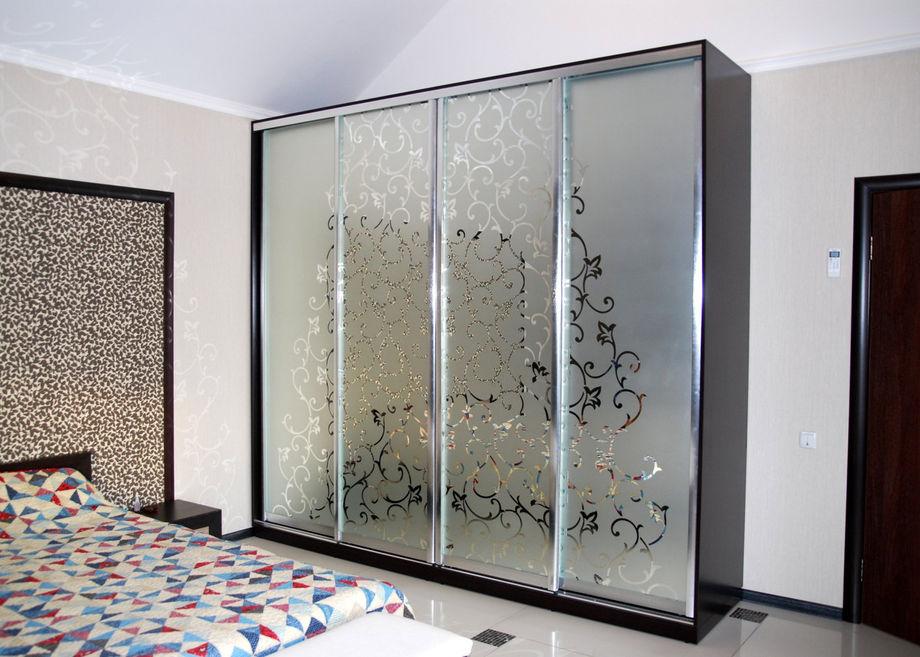 стеклянные фасады для шкафа купе фото овальные, длинные