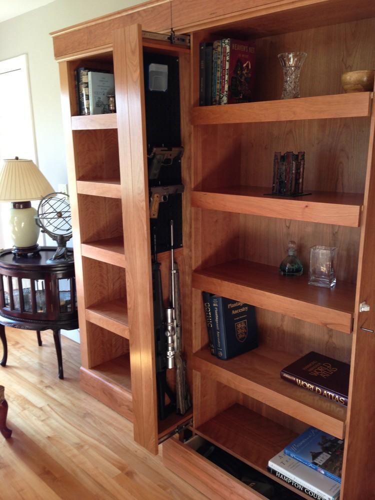 Шкаф с выдвижной колонкой