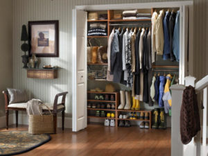 Пример наполнения гардероба в прихожей