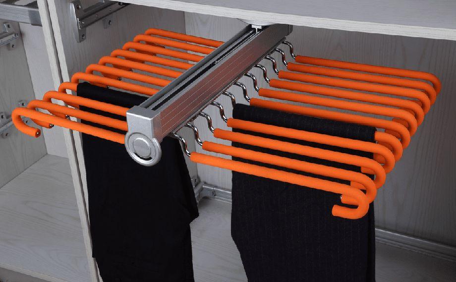 Вешалка оранжевая