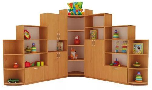 Угловые шкафы для книг со стеклом: малогабаритные и большие модели из дерева