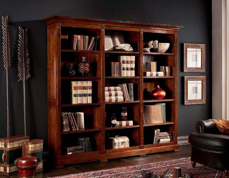 Книжный шкаф из тёмного дерева