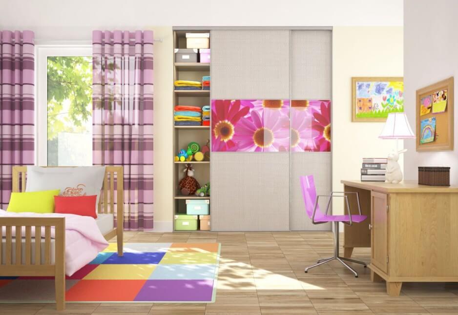 Шкаф купе встроенный в стену детской комнаты с фотопечатью
