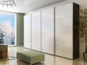 Белый шкаф с компланарными фасадами