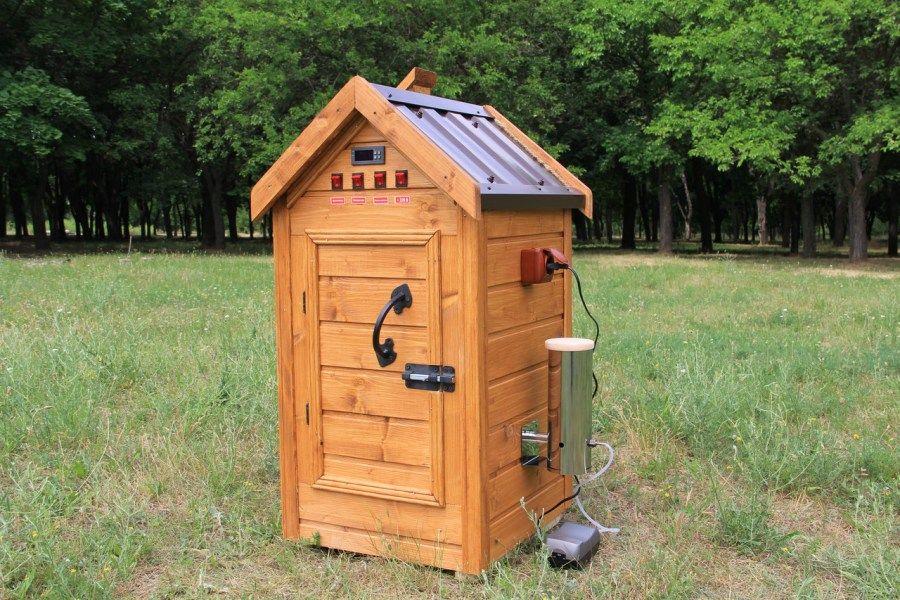 Деревянный шкаф холодного копчения